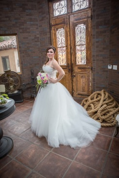 MattSandi_0842 beautiful bride in a beautiful setting