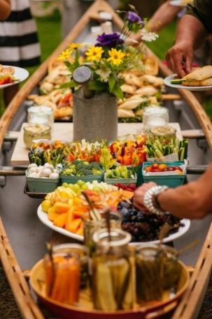 canoe buffet 545